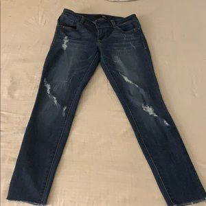 1822 Distressed Jeans 27